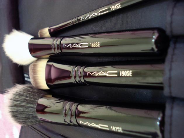 Pinceis para o rosto MAC
